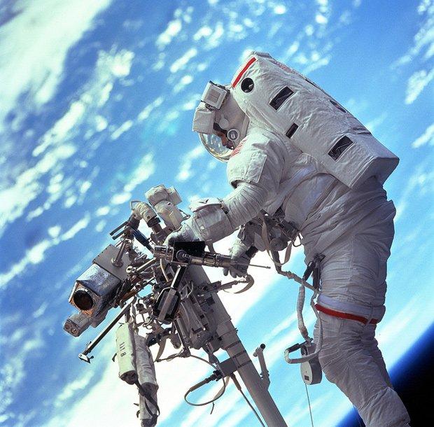 宇宙はこんなにも美しい──NASAによる本物の「ゼロ・グラヴィティ」写真が話題