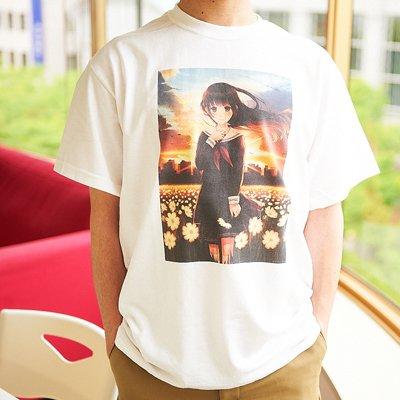 綺麗なイラストが入ったTシャツ