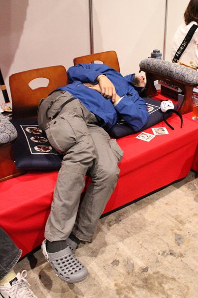 超会議で超爆睡するひろゆきを超アップで激写してきた!