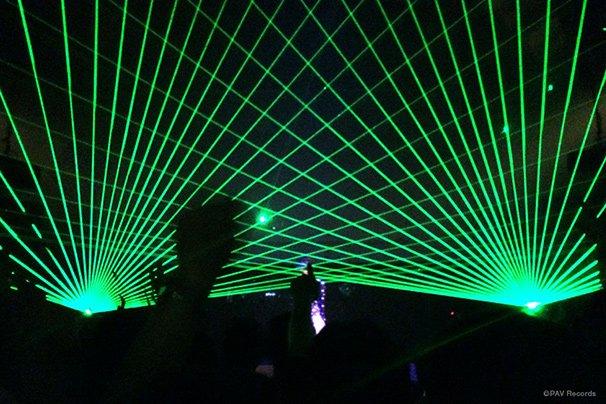 Venus Laserによるレーザー