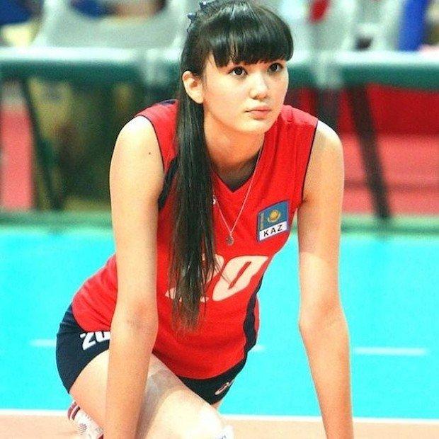 美少女すぎるバレー選手・サビーナ17歳、あまりの美しさにチーム困惑