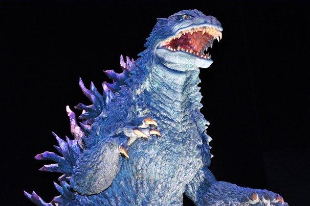 ゴジラ、渋谷に襲来! 豪華イラストや1億5000万円の純金像も公開