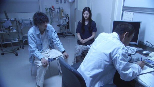 STAP細胞事件を予見──小西真奈美、窪塚洋介出演の映画『風邪』公開決定