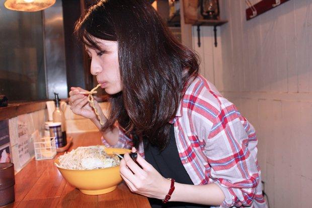 【デートで行きたい♡】女子に人気の二郎系ラーメン店をレポート