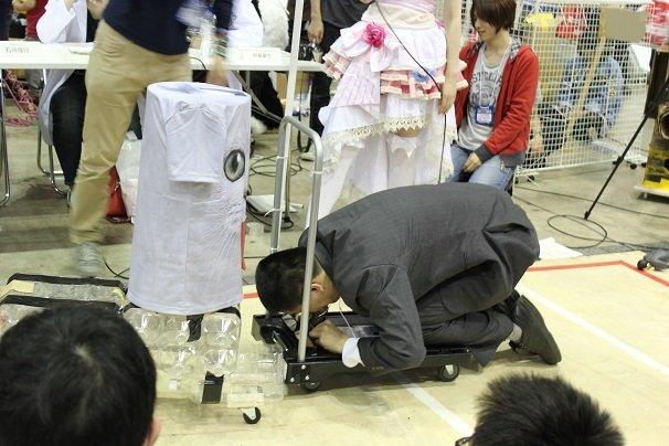 こんなロボットあり!? 超会議のヘボコンバトルが斜め上すぎて謎の迫力
