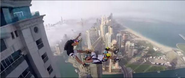 【閲覧注意】ドバイの超高層ビルからダイブする映像が怖すぎ