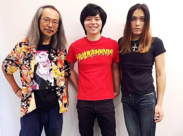 左から人間椅子の和嶋慎治さん、成田大致さん、ROLLYさん