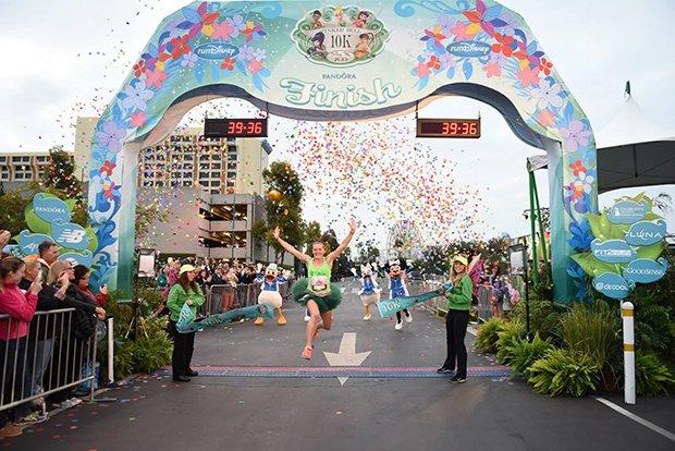本場ディズニーは大のお祭り好き! 日本未開催のイベントを遊びつくせ