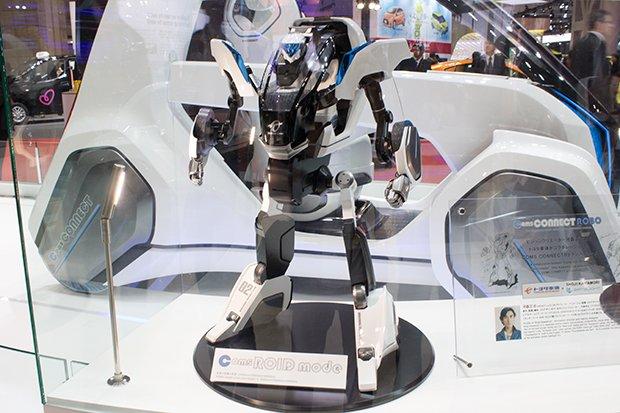 メカデザイナー 河森正治が語る実現可能なロボットとは? 東京モーターショーで展示