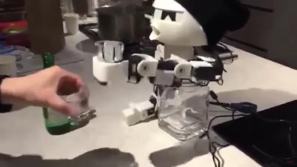 「ROBOT DRINKY: The Alcohol drinking Robot」スクリーンショット 2