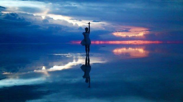 ウユニ塩湖で踊ってみた