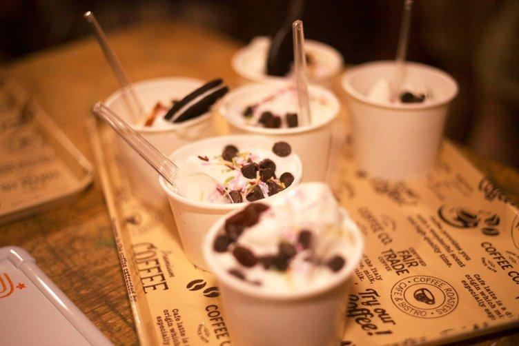 アイス食べ放題でパリピ! アイス×女の子のDJイベントで最高の夏を