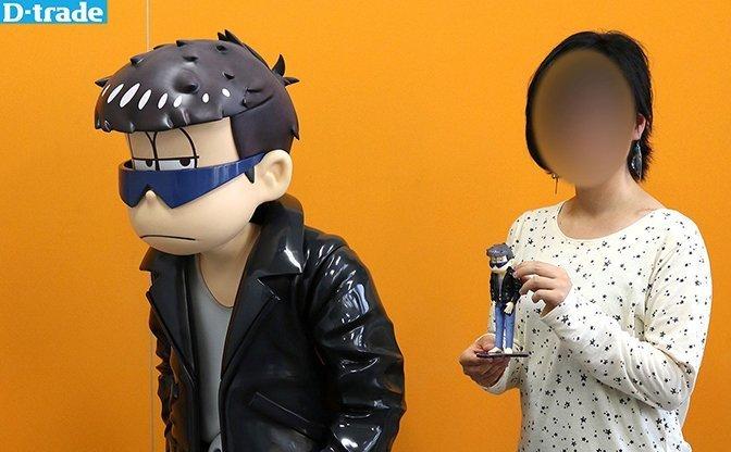 『おそ松さん』一松事変の等身大(146cm)フィギュア!「フェス松」で展示