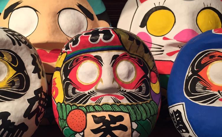 Yamabiko Art個展「換骨奪胎」 グラフィティと和を融合させる達磨絵師