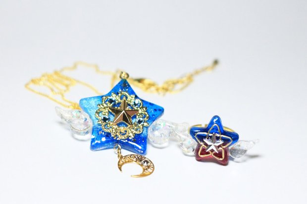「star☆witch」(2016)/レジンを使用して制作されたアクセサリー/UVレジンの一般化により、立体的で透明感のある造形が容易になりました