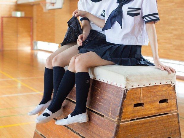 『かわいいスカートのめくりかた SCHOOLGIRL COMPLEX 4』 3
