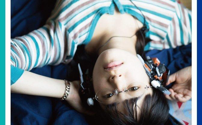 無機物+少女のデジタル写真集『東京ガジェット少女』 が未来的