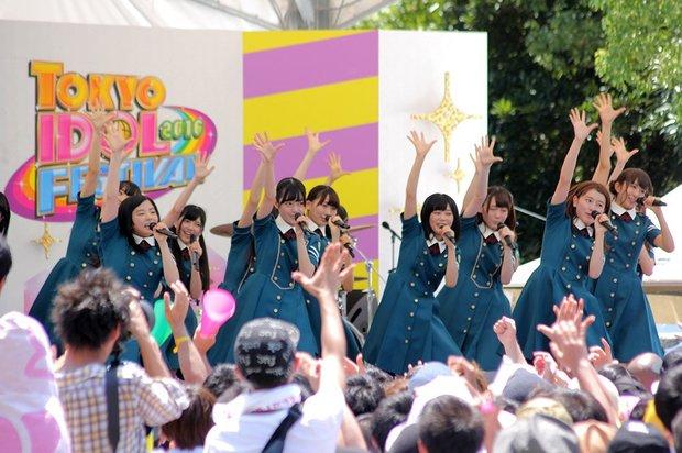 欅坂46「手を繋いで帰ろうか」@「TOKYO IDOL FESTIVAL 2016」(TIF2016)2