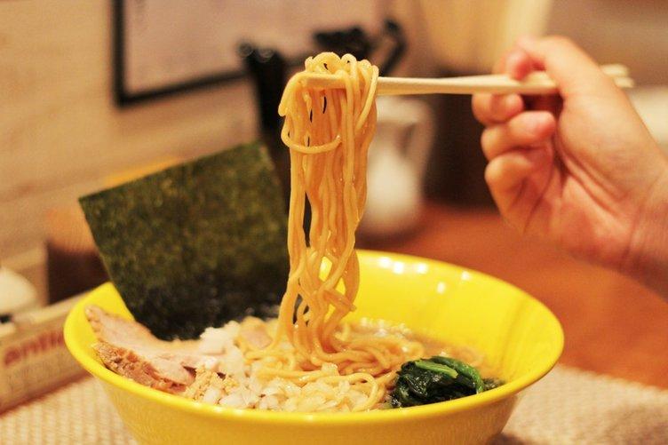 神泉の絶品煮干しラーメン「惠本将裕」レポ 「凪」で修行を積んだ店主