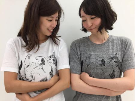 フェリシモのYOU+MORE!と猫部がコラボ! 猫をだっこしてる気分になれる猫抱っこTシャツを発売♪