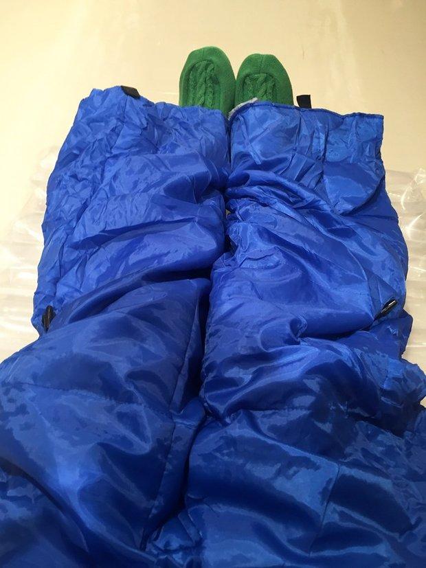 着る布団を着た筆者@「ジュンク堂に住んでみる」ツアー