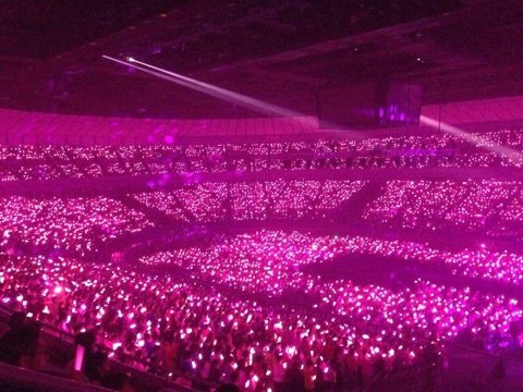 横浜アリーナでの卒業コンサートの様子/画像はオフィシャルブログ「サユミンランドール」より