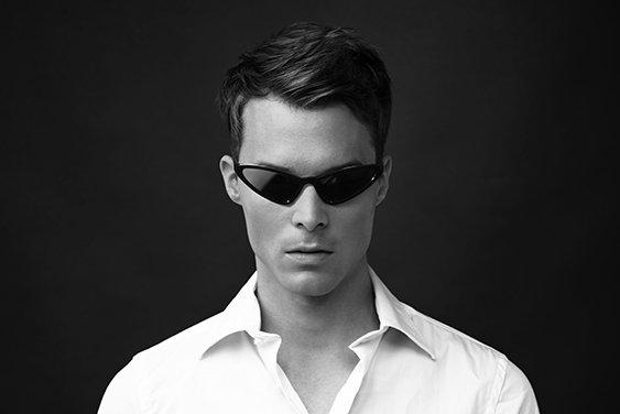 戸愚呂(弟)モデルのサングラス ※写真はイメージです