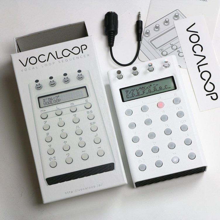 ボカロのループ曲をつくれる電卓型ガジェット「VOCALOOP」製品化! 15台限定