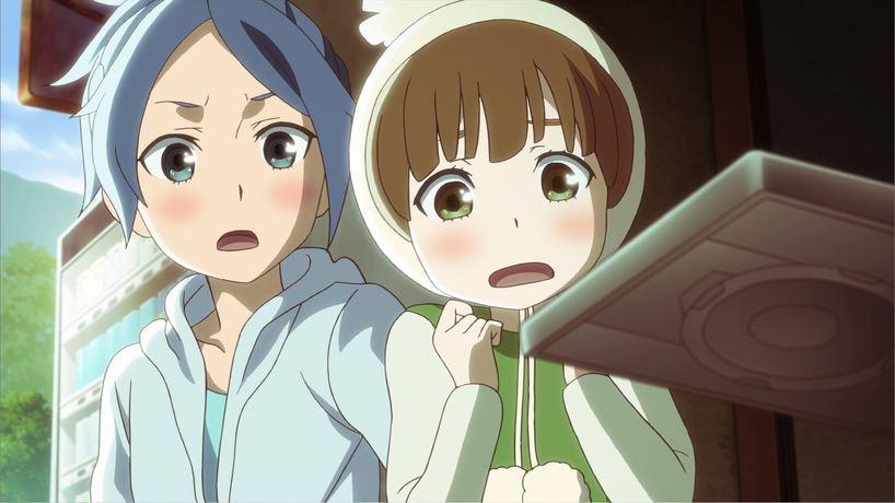 劇場版『モンスト』より水澤葵(左)と若葉皆実(右)