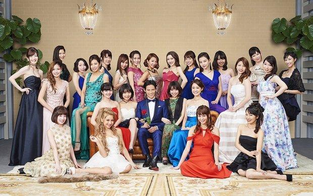 久保裕丈さんと25名の女性参加者