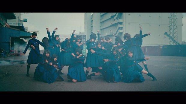 欅坂46 『不協和音』MV スクリーンショット 2