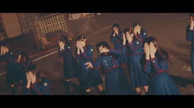 欅坂46 『不協和音』MV スクリーンショット  3