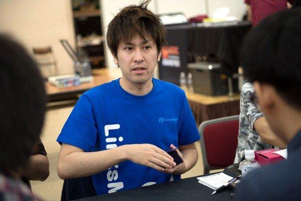 対戦中の市川ユウキさん