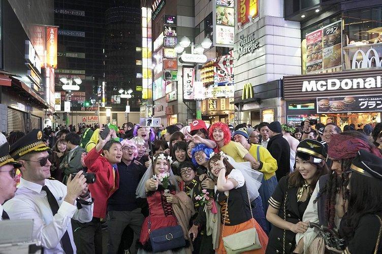 ハロウィン開幕、金曜の渋谷は昨年よりも盛り上がった? どうなる週末