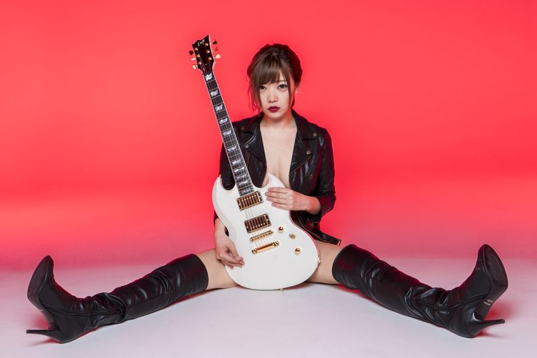 弁当箱でバトる女 藤田恵名 SXSWも注目の新曲MV映画化で主演