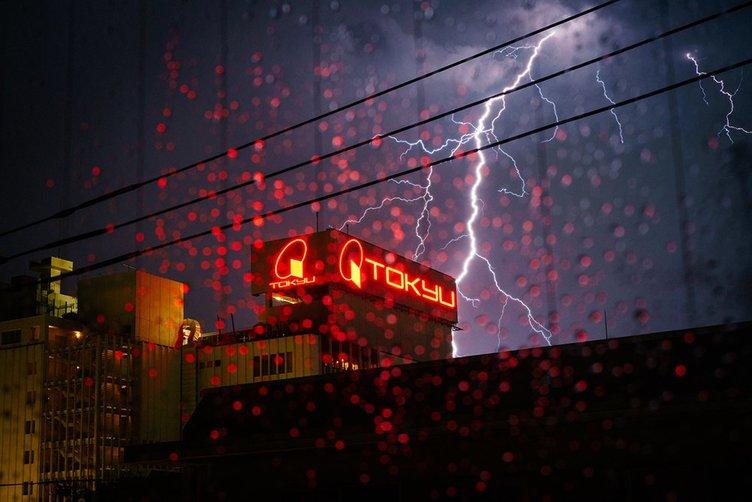 【写真】記録的な雷雨、フォトグラファーが撮った1枚がセクシーな迫力