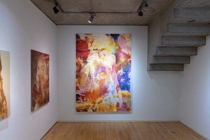 「FANZA」×「#FR2」コラボレーションギャラリーで興梠優護『Stratified』展示開始