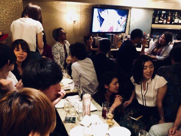 日本初「エロい話ができる会員制バー」誕生