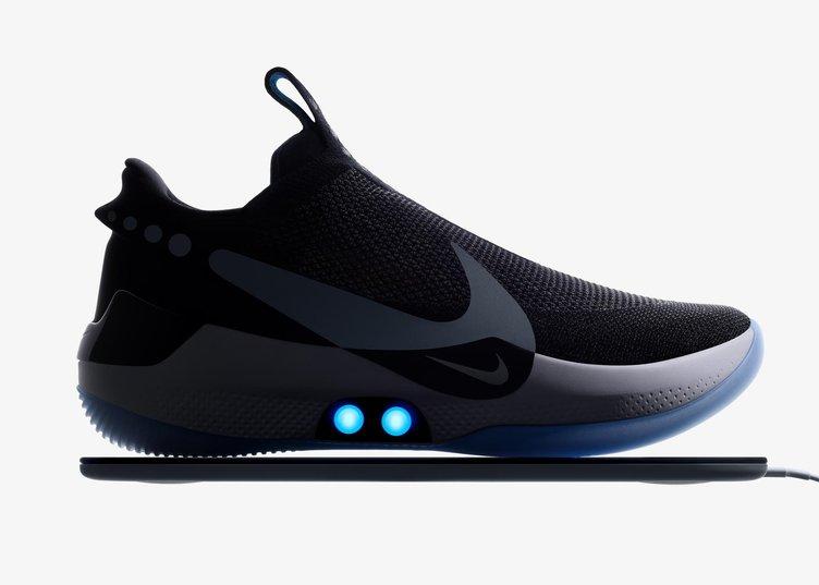 またヤバい未来きた Nikeが紐なし自動フィットのバスケスニーカー発売