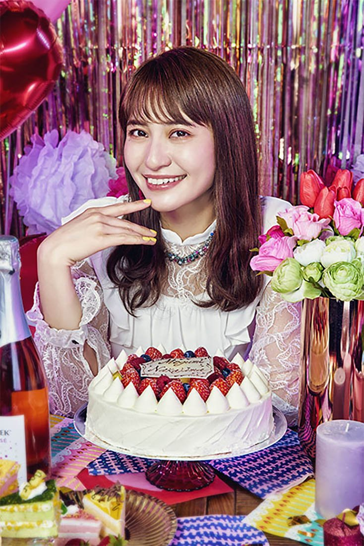 デビュー10周年の声優 中島愛 初ベストアルバム発売 「星間飛行」も収録