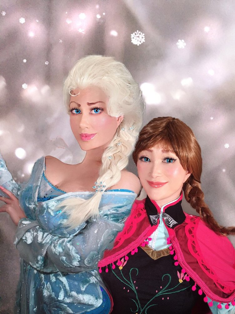 叶姉妹、表情まで忠実な『アナ雪』アナ&エルサのコスプレがもはや実写
