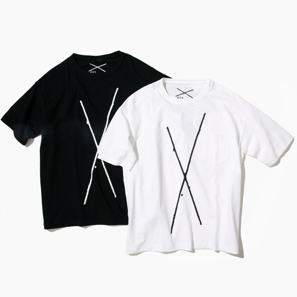 X(Kiss) Tee/価格: ¥5000(+税)
