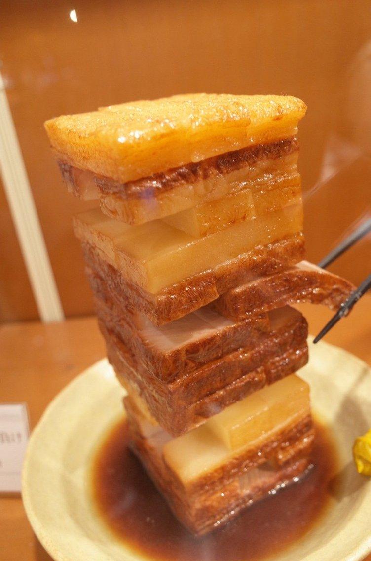 圧巻の技術 創業87年の食品サンプル店にある美味しそうな角煮ジェンガ