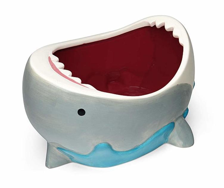 サメの口に手を入れる? ポップコーンムービーにぴったりのかわいいお皿