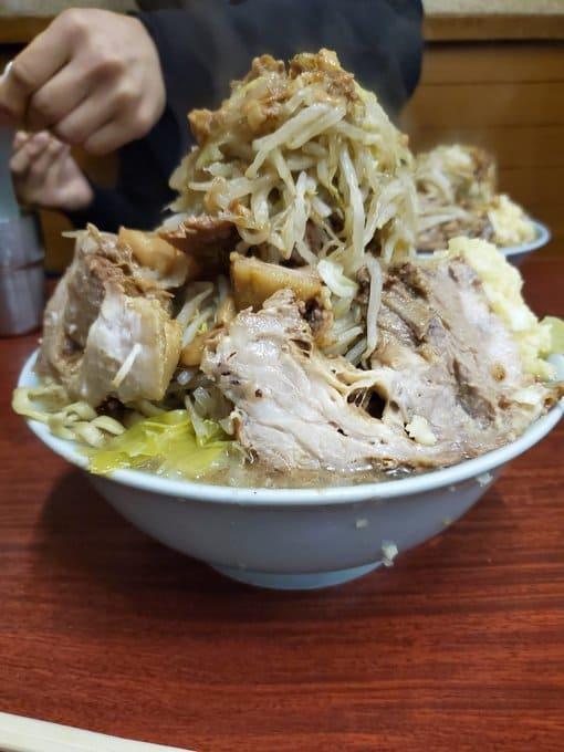 「レンタル二郎食べる人」に依頼殺到 「二郎系への苦手意識を払拭したい」