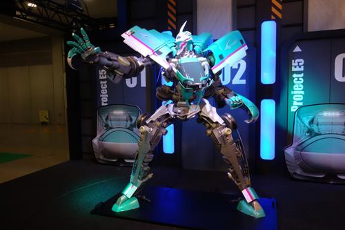 【東京おもちゃショー2014】JR東日本始まったな E5系新幹線が変形するロボットをコンセプト展示
