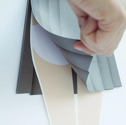 キターー! スカートめくりカレンダーが堂々の発売