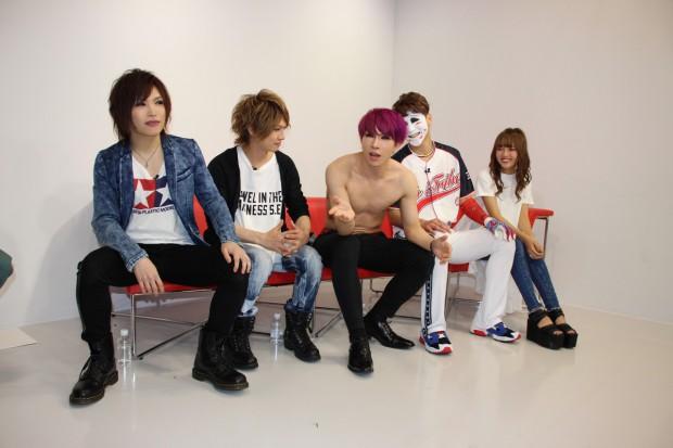 LINE LIVE ゴールデンボンバー2