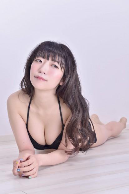 桃色の半生!~仲井優希がぱいぱいでか美になるまで~_1