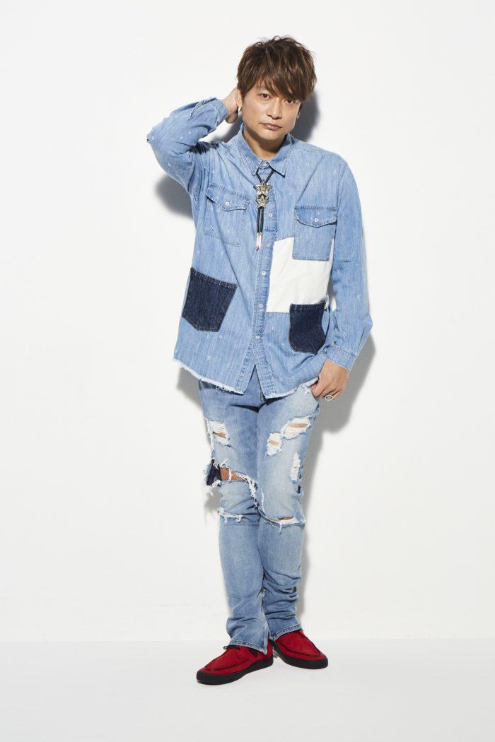 元SMAPの香取慎吾、ファッション誌『smart』の表紙に